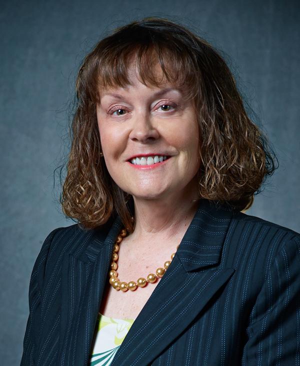 Sarah E. Raiss